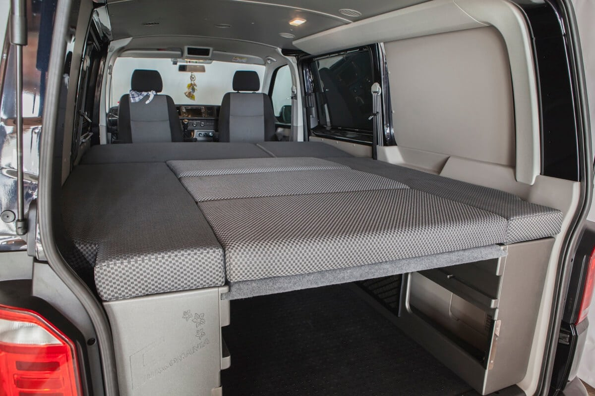 Furgomania volkswagen transporter t5 t6 combi corta - Hacer una cama abatible ...