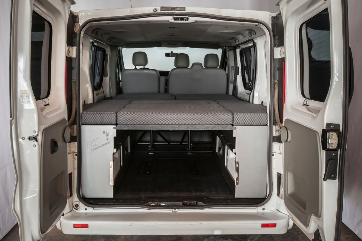 kit cama basic opel vivaro 2271 furgomania. Black Bedroom Furniture Sets. Home Design Ideas