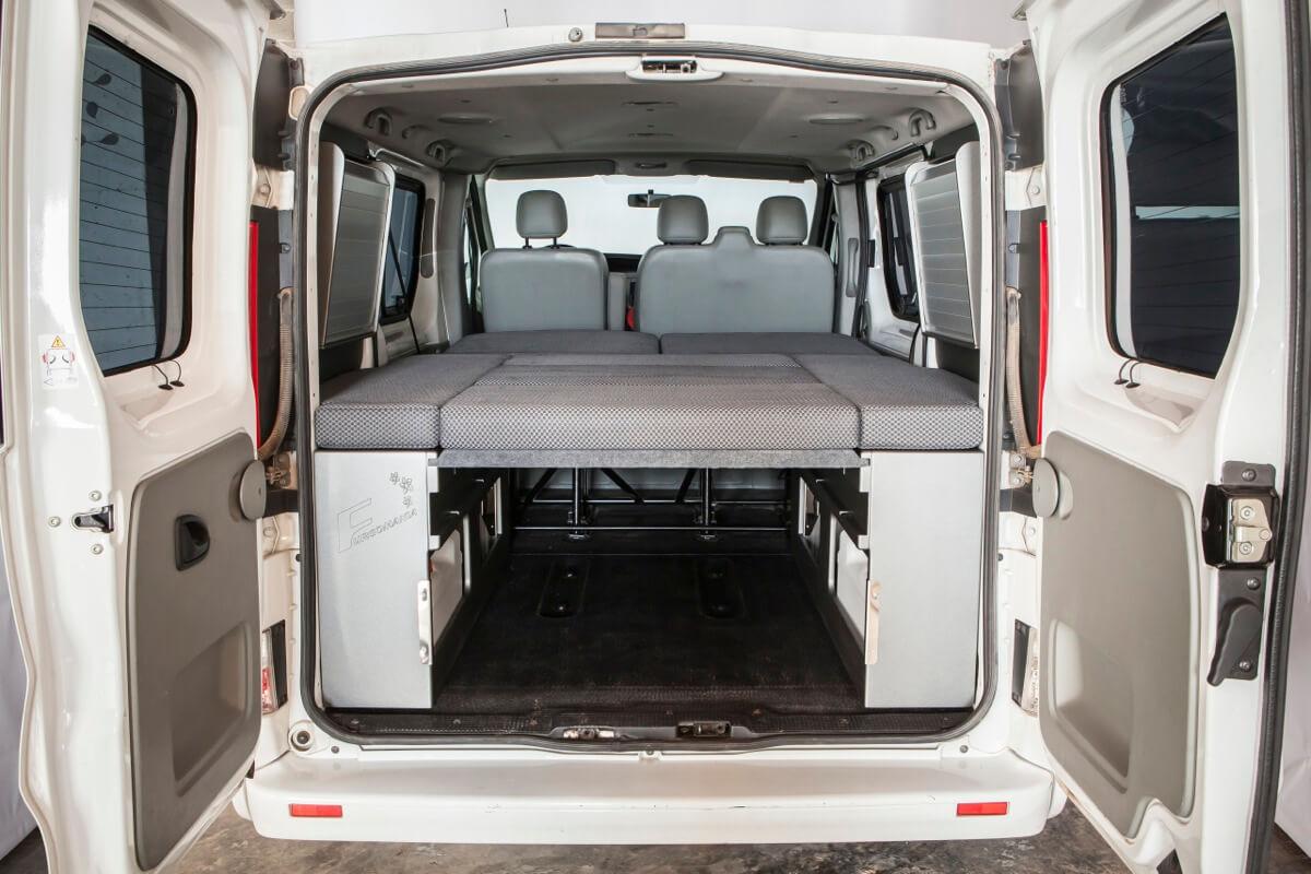 paneles laterales opel vivaro 2292 furgomania. Black Bedroom Furniture Sets. Home Design Ideas